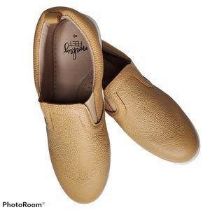 Monkey Feet Mommy Slides size 40 8.5 - 9